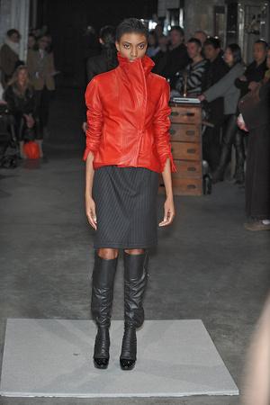 Показ Atelier Gustavo Lins коллекции сезона Весна-лето 2010 года Haute couture - www.elle.ru - Подиум - фото 138342