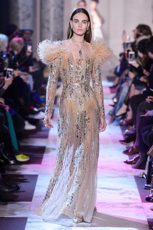 Показ Elie Saab коллекции сезона Весна-лето 2018 года haute couture - www.elle.ru - Подиум - фото 675241