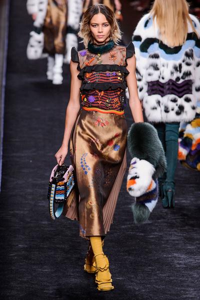 Самые красивые образы Недели моды в Милане   галерея [1] фото [28]