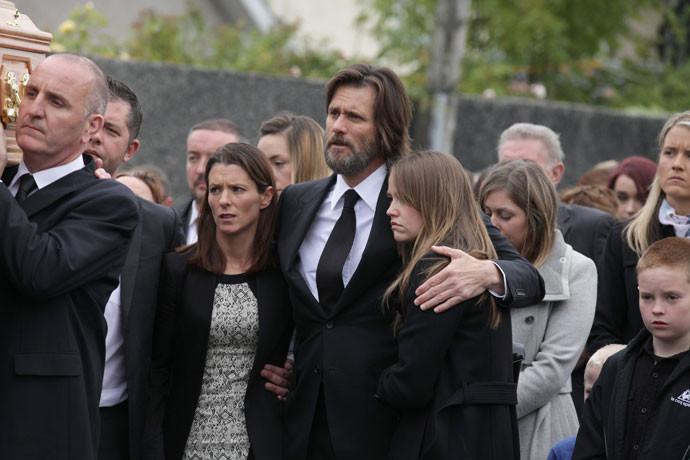 Джим Керри на похоронах Катрионы Уайт