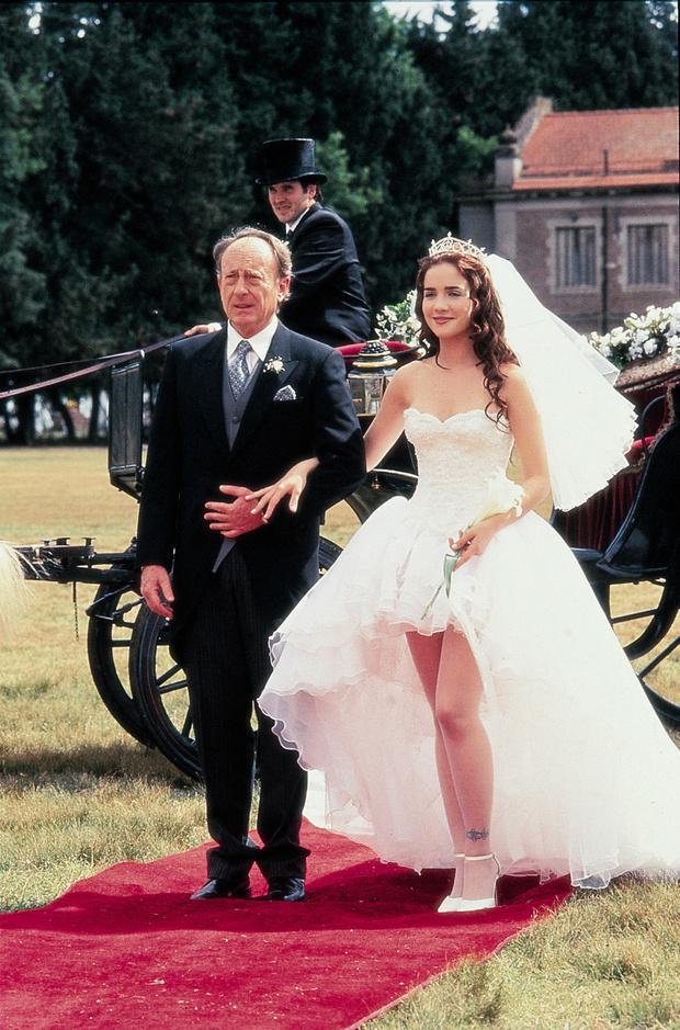 Самые известные свадебные платья из фильмов и сериалов (фото 16)
