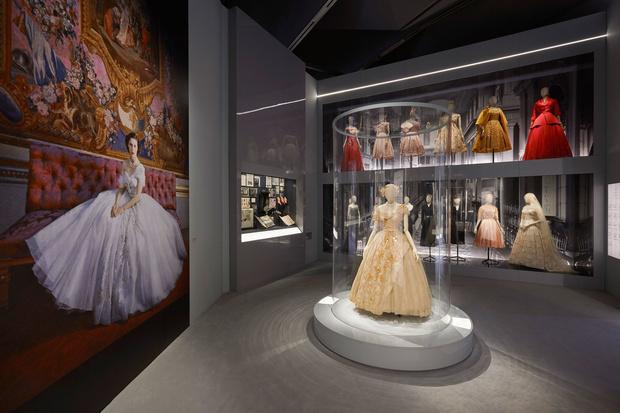 Выставка «Кристиан Диор: дизайнер мечты» в Лондоне (фото 2)