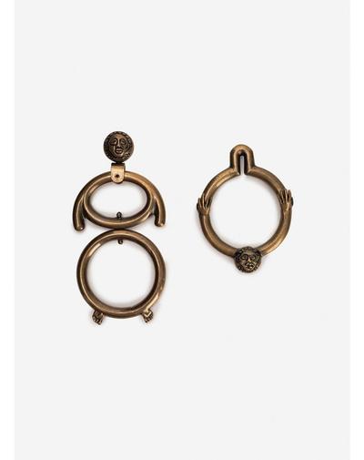 Всего один аксессуар на лето: серьги размером с люстру в Версале (галерея 1, фото 1)