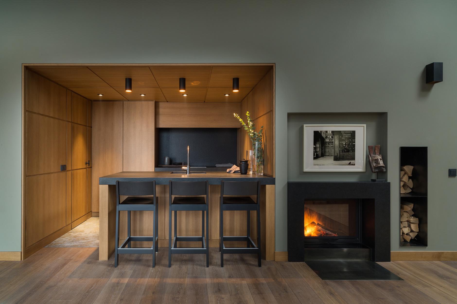 Кухня с деревянными фасадами: 25+ проектов (галерея 0, фото 3)