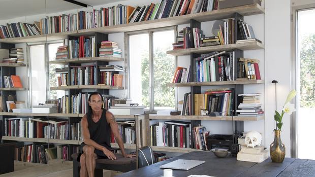 Рик Оуэнс: мебель из мрамора и рога (фото 18)