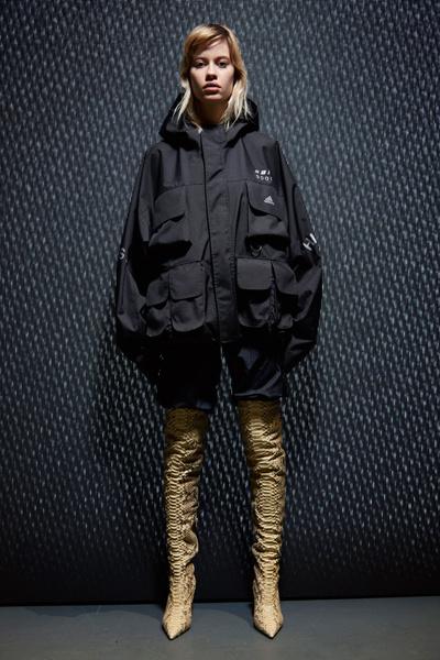 Yeezy Season 5: что нужно знать о новой коллекции Канье Уэста | галерея [1] фото [2]