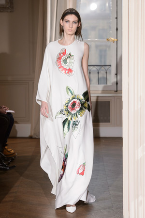 Показ Schiaparelli коллекции сезона Весна-лето  2017 года Haute couture - www.elle.ru - Подиум - фото 616357