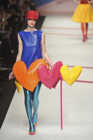 Показы мод Agatha Ruiz De La Prada Осень-зима 2009-2010 | Подиум на ELLE - Подиум - фото 3192