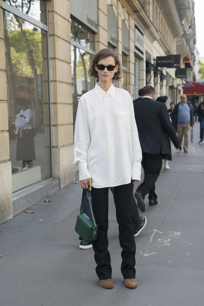 5 сոօсօбօв нօсить белую рубашку-օверсайз (фօтօ 19)