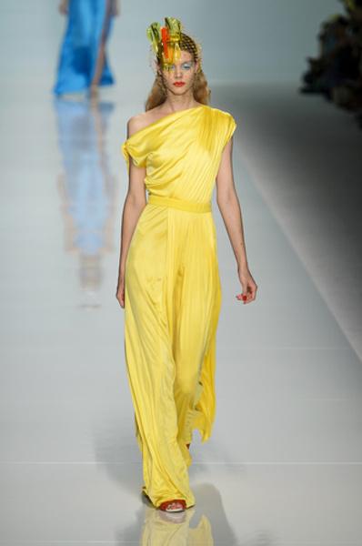 НУЖНЫЙ ТОН: Какие цвета и сочетания цветов в моде этим летом?   галерея [1] фото [2]