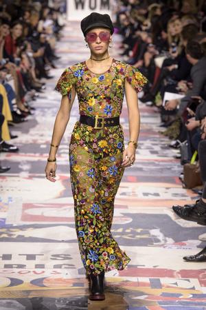 Показ Christian Dior коллекции сезона осень-зима  2018-2019 года Prêt-à-porter - www.elle.ru - Подиум - фото 703311