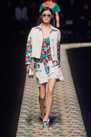 Показы мод Kenzo Весна-лето 2013 | Подиум на ELLE - Подиум - фото 1014