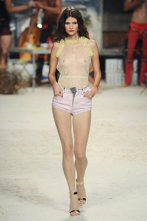 Показы мод Frankie Morello Весна-лето 2011 | Подиум на ELLE - Подиум - фото 2566