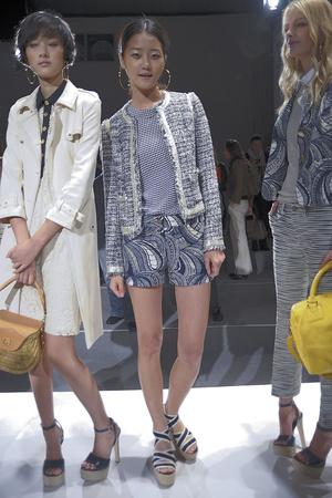 Показы мод Tory Burch Весна-лето 2011 | Подиум на ELLE - Подиум - фото 2630