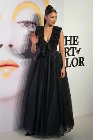 Образ дня: Белла Хадид в Dior (фото 1.1)