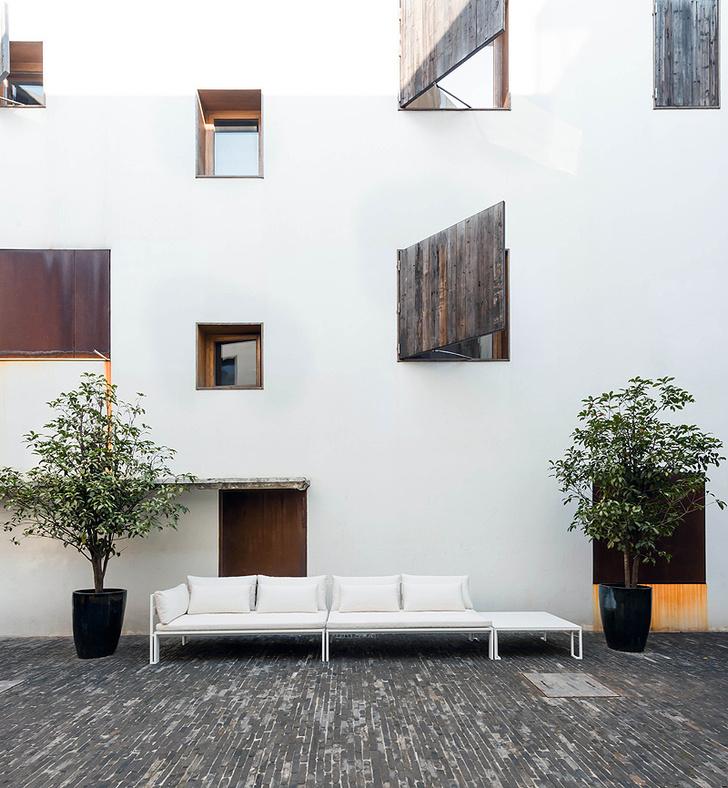 Диван Jian, Gandia Blasco, дизайн студии Neri & Hu.