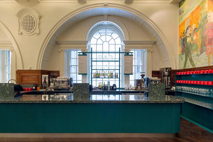 Живописное кафе при лондонской Королевской академии художеств (фото 3)