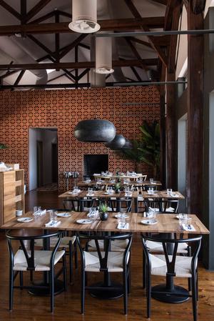 Светлый ресторан в Лиссабоне (фото 5.1)