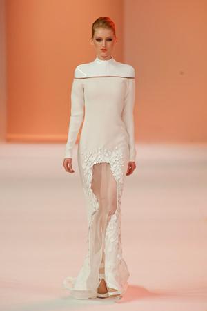 Показ Stephane Rolland коллекции сезона Весна-лето 2014 года Haute couture - www.elle.ru - Подиум - фото 575032