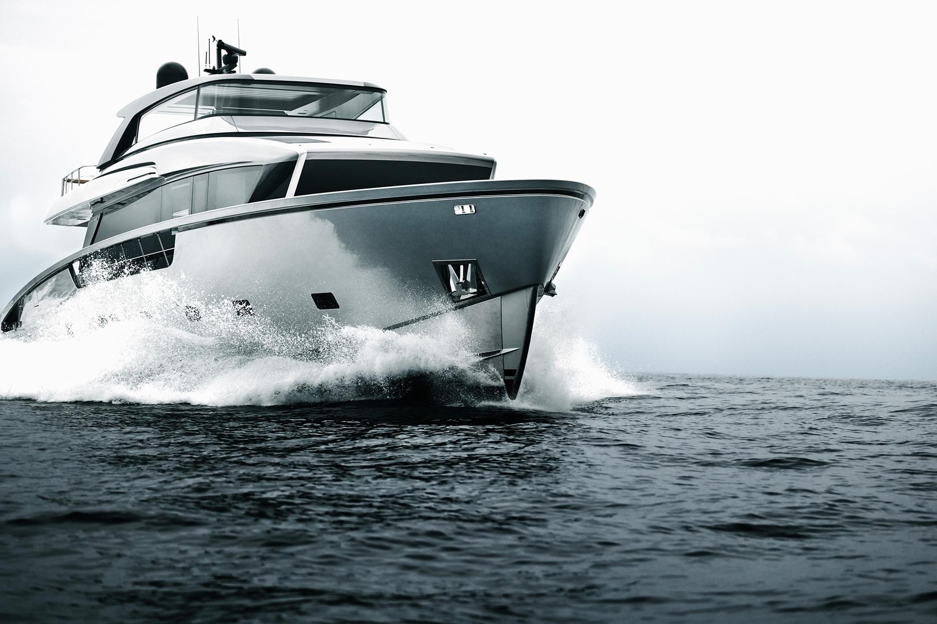 Лофт с видом на море: новая яхта по дизайну Пьеро Лиссони (галерея 4, фото 2)