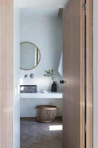 Белоснежная вилла на Санторини от Kapsimalis Architects (фото 25.1)