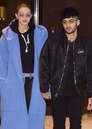 Парный выход: Джиджи Хадид и Зейн Малик на прогулке в Нью-Йорке (фото 2)