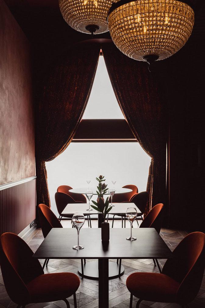 Варшавский ресторан Epoka в оттенках синего (фото 3)