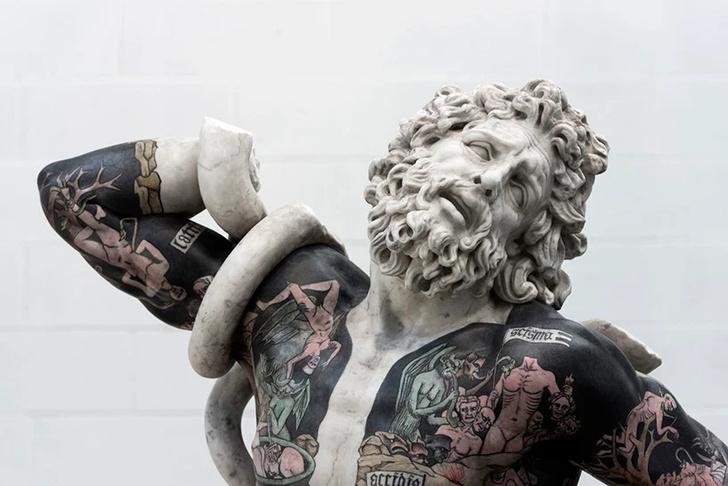 Художник Фабио Виале наносит татуировки на мраморные скульптуры (фото 1)