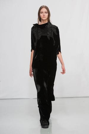 Показ Moon Young Hee коллекции сезона Осень-зима 2014-2015 года Prêt-à-porter - www.elle.ru - Подиум - фото 581755