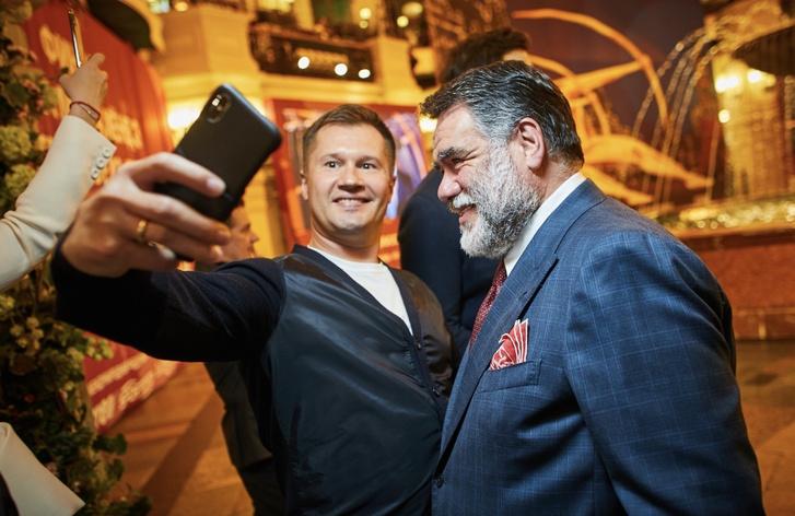 Ксения Собчак и Константин Богомолов на старте спортивного сезона (фото 2)