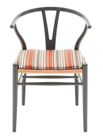 Carl Hansen &Son выпустил серию мебели в честь столетия дизайнера Ханса Дж. Вегнера