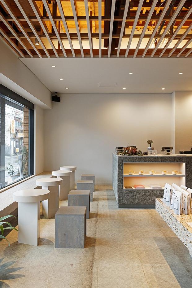 Аскетичное кафе в Японии (фото 0)