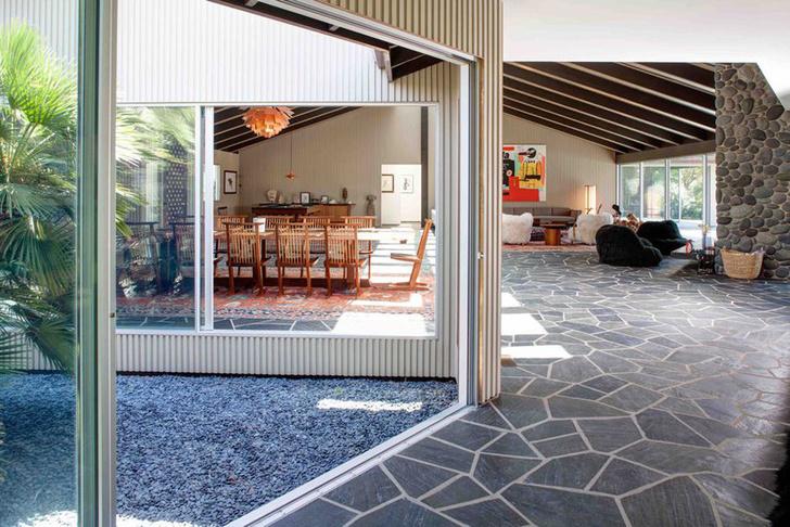 Фронтмен Maroon 5 Адам Левин продает два роскошных дома в Лос-Анжелесе фото [5]
