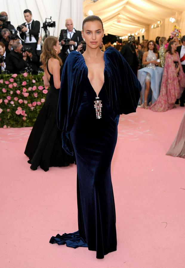 Никаких «голых» платьев, только роскошь: все супермодели на Met Gala (фото 2)