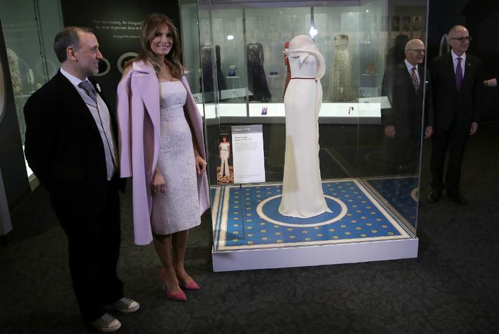 платья Мелании Трамп фото