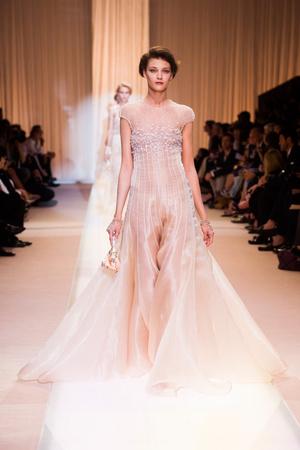Показ Giorgio Armani Privé коллекции сезона Осень-зима 2013-2014 года haute couture - www.elle.ru - Подиум - фото 556398