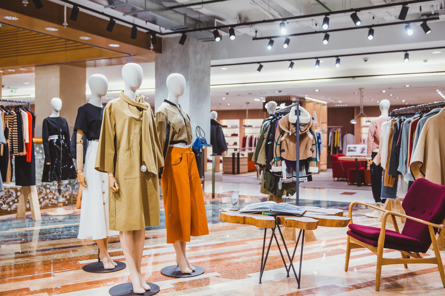 Как выглядят пространства успешных fashion-брендов (галерея 8, фото 1)