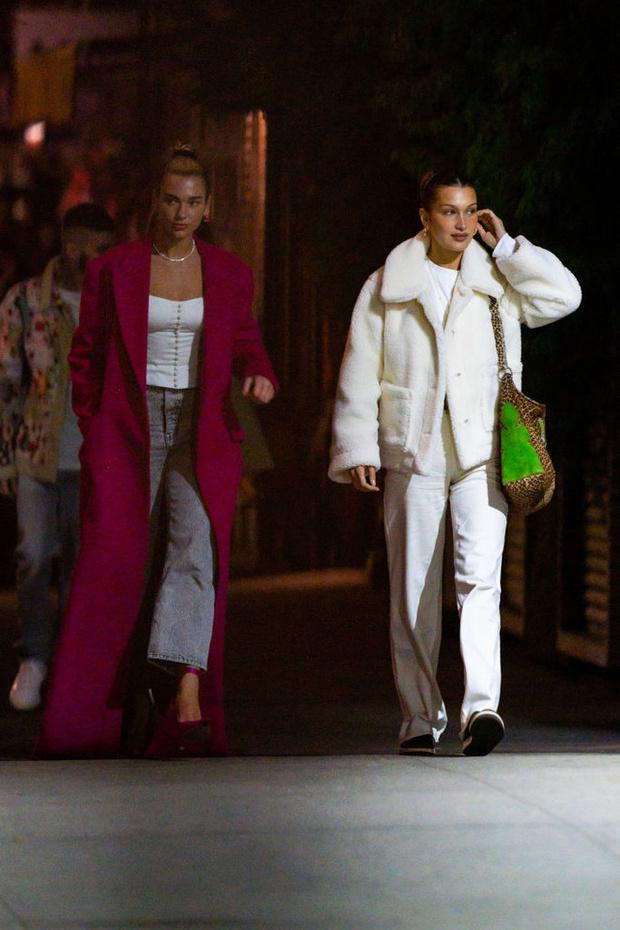 Pink mood: яркая куртка в стиле Дуа Липы, которая нужна нам всем в пасмурную погоду (фото 1)