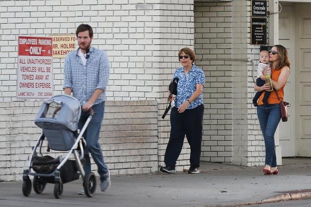 Редкие кадры: Рейчел МакАдамс впервые показала сына (фото 3)