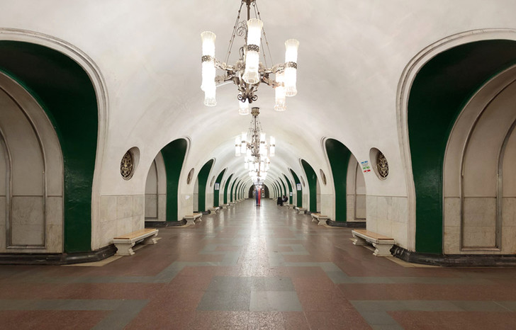 Станция метро ВДНХ