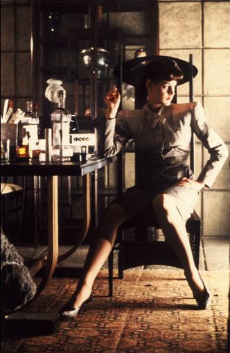 Кинопонедельник: предметы из фильма «Бегущийпо лезвию» (1982) (фото 0.1)