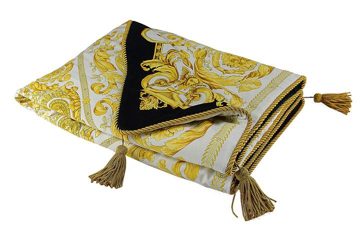 Текстиль и аксессуары из обновленных коллекций Versace Home (фото 10)