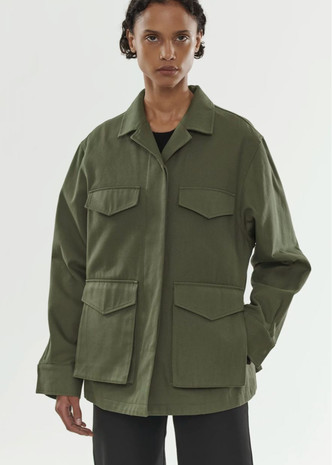 Сафари-куртка — идеальная вещь для весенних прогулок. Вот 15 вариантов (фото 10.2)
