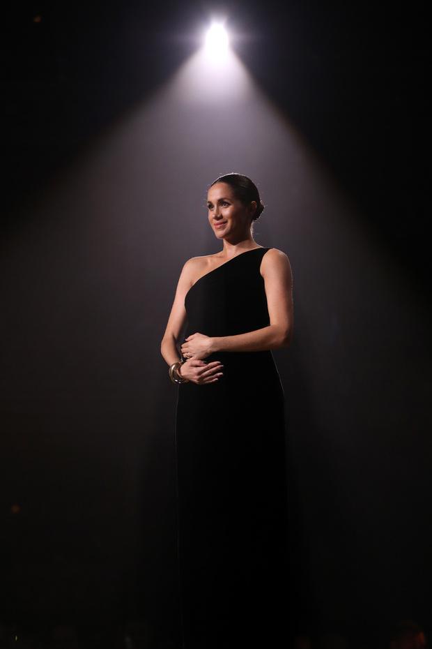 Прощай, королева: 30 лучших выходов Меган Маркл в качестве члена монаршей семьи (фото 55)