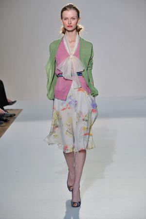 Показ Nicole Farhi коллекции сезона Весна-лето 2009 года Prêt-à-porter - www.elle.ru - Подиум - фото 78928