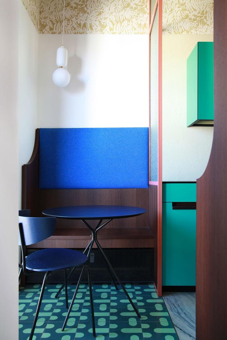 Переливы мрамора: необычный интерьер миланской квартиры (фото 9)