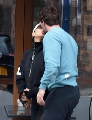 Спорт и поцелуи: Николь Шерзингер и Том Эванс в Лондоне (фото 4.2)