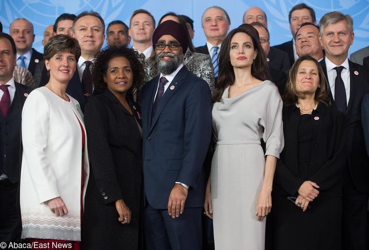 Анджелина Джоли на конференции ООН в Ванкувере (фото 2)