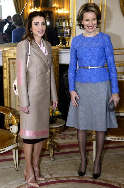 Пальто, как у королевы: верхняя одежда Летиции, Рании и Кейт Миддлтон   галерея [3] фото [4]