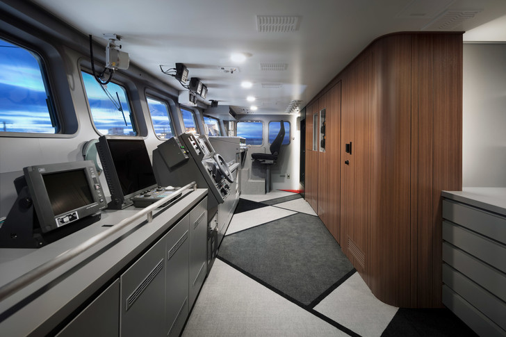 Рыболовное судно по дизайну студии Nendo (фото 12)